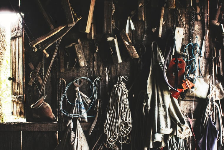 """Featured image for """"3 Steps to Removing Clutter"""""""